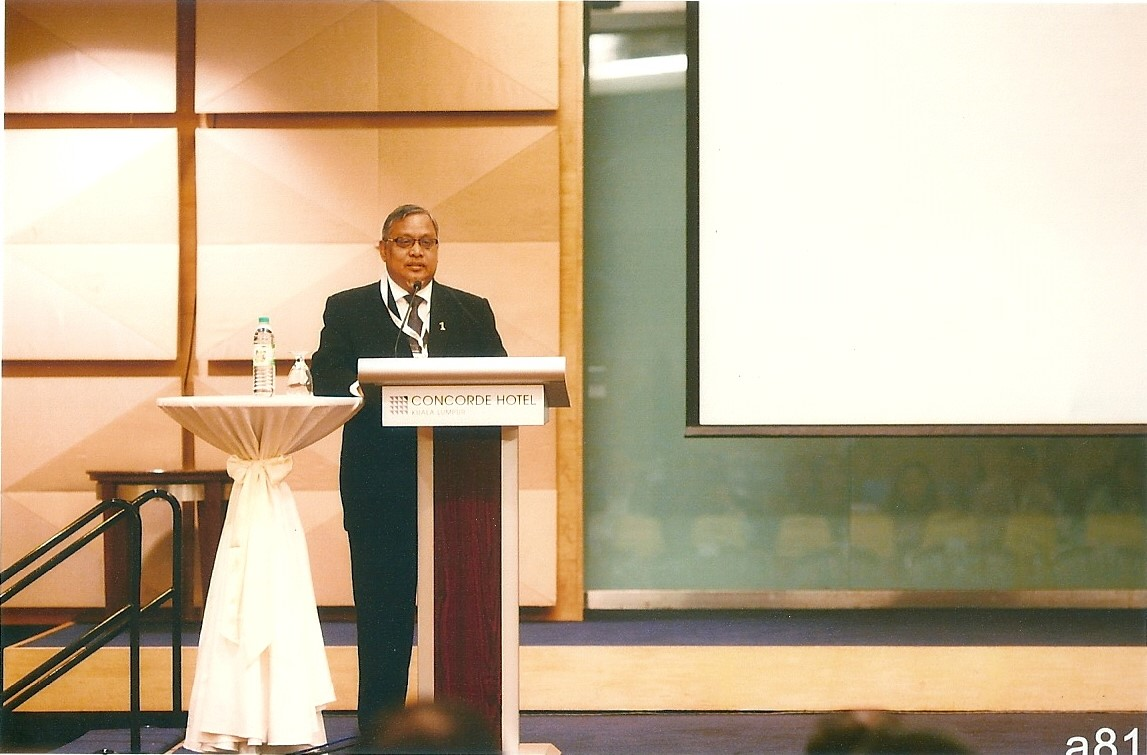 Dato Jalaldin Hussain, delivering his speech on Managing Dismissal to Avoid Repercussions.
