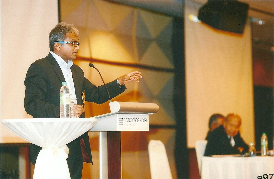 Dato Thavalingam delivering his speech at the Labour Law Seminar on April 10, 2015.